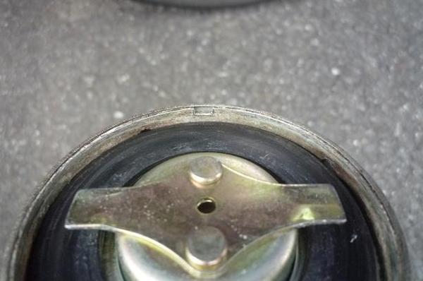 燃料タンクキャップ_07.JPG