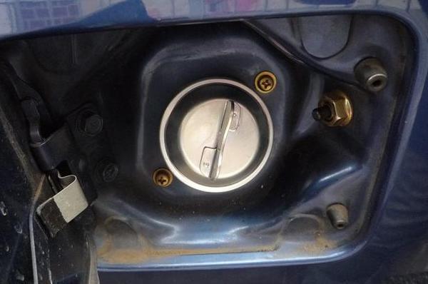 燃料タンクキャップ_09.JPG